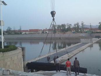 07、坝袋吊装